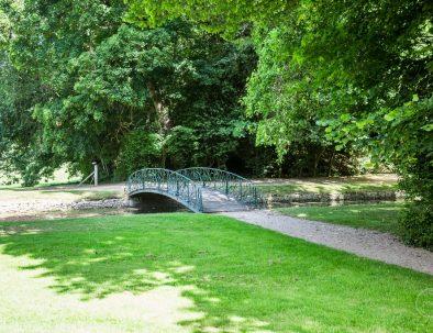 Pont dans le parc de Meillant